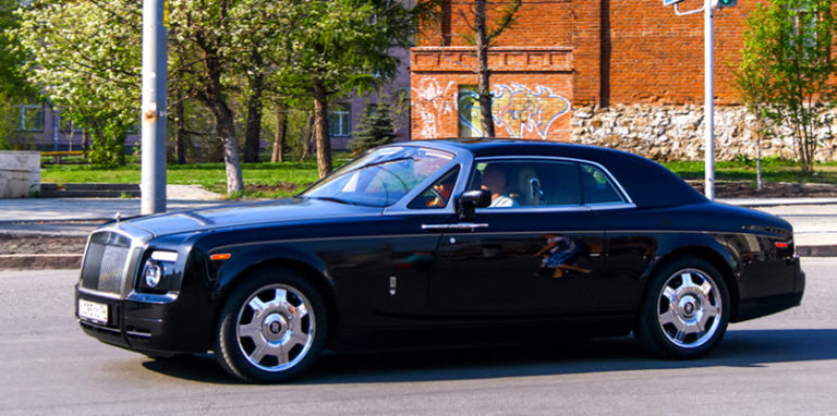 Why Do Air Suspension Problems Occur in a Rolls Royce